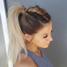 Coiffure Avec Tresse Cheveux Mi Long Hairstyle With Braid Long Hair Medium Hair Styles, Short Hair Styles, Casual Updos For Medium Hair, Braid Styles, Hair Styles For Gym, Medium Hair Do, Simple Buns For Medium Hair, Hair Styles Casual, Medium Hair Ponytail