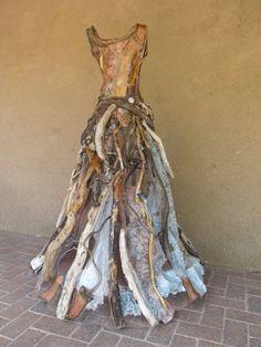 "Christina Chalmers - Dress Sculpture ""Acquaintance of Kelp Forests"" at Selby Fleetwood Gallery - made from kelp, driftwood, vintage silk & lace Kelp Forest, Art Du Fil, Art Textile, Driftwood Art, Land Art, Art Plastique, Faeries, Installation Art, Mixed Media Art"