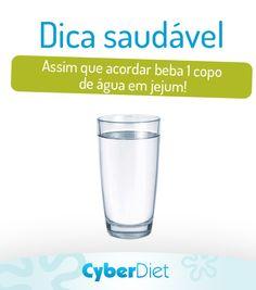 Depois de horas de sono seu corpo não precisa somente de comida, mas também de água!