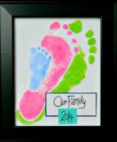 Family Fun - Footprint Keepsake - The Realistic Mama Family Crafts, Baby Crafts, Crafts To Do, Crafts For Kids, Arts And Crafts, Toddler Crafts, Craft Gifts, Diy Gifts, Footprint Art