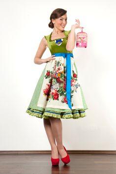 #dirndl #German #Austrian #traditional #folk #costume #dress #tracht