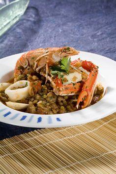 Receta de cigalas y almejas con lentejas   El Blog de Carbonell Latin Food, Spanish Food, Pulled Pork, Japchae, Chicken, Meat, Ethnic Recipes, Drink, Blog