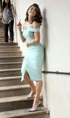 Wanna be that wall Beautiful Girl Indian, Most Beautiful Indian Actress, Beautiful Girl Image, Beautiful Models, Gorgeous Lady, Bollywood Girls, Bollywood Fashion, Indian Actress Hot Pics, Indian Actresses