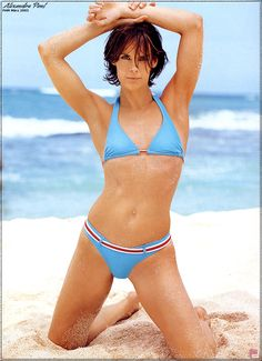 the beautiful Actress Alexandra Paul trendy Hairstyles Born in New York City Alexandra Paul, Bikini Bottoms, Thong Bikini, Kelly Monaco, Star Wars, Baywatch, Beautiful Women Pictures, Film Music Books, Trendy Hairstyles