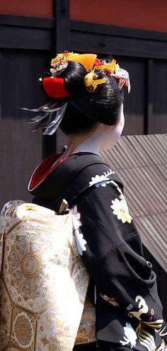 Wareshinobu hairstyle worn only for misedashi