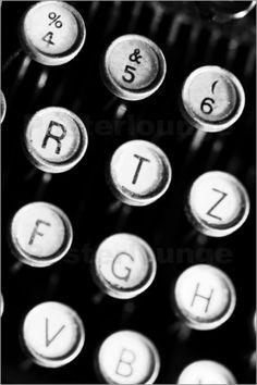 Schreibmaschinentasten, Schreibmaschine, Tasten, Taste, Schwarz Weiß, Maschine, Tastatur, Schreiben, Alt, Antik, Typewriter keys, typewriter, key, black white, machine, keyboard, letters, old, antique