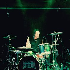 Watching Vinny Appice play last night was like rock school for being in the pocket. His work on Mob Rules and Holy Diver alone should put him into the drummer Hall Of Fame. Nobody else sounds like Vinnie. NOBODY! #vinnyappicedrums #vinnyappice #rockbartheater by low_cicero