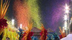 Las seis escuelas de samba mejor clasificadas cerraron el sábado con un desfile el carnaval de Rio de Janeiro, este año la fiesta estuvo marcada por accidentes que dejaron más de 30 heridos.