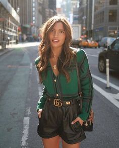 Leather shorts look. Rate this oufit from Tap the link. Mode Outfits, Short Outfits, Fall Outfits, Fashion Outfits, Womens Fashion, Basic Fashion, Look Fashion, Winter Fashion, Classy Outfits