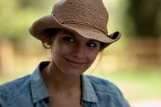 Caitlin Stasey in Tomorrow, When the War Began What Is Religion, Caitlin Stasey, Adelaide Kane, Vampire Diaries The Originals, Pretty People, Picture Photo, Black Men, Movie Tv, Batman