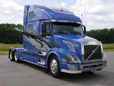 18-Wheeler volvo truck show | Volvo Truck blue condo sleeper bunk bobtail