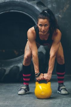 10 Kick Ass Kettlebell Exercises That Work The Entire Body. | Posted By: NewHowToLoseBellyFat.com
