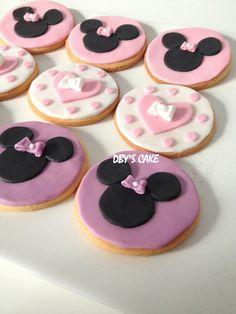 Gâteau Minnie & ses petits sablés