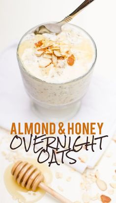 Toasted Almond & Honey Overnight Oats ¼ cup sliced almonds ½ cup rolled oats ⅓ cup plain Greek yogurt ⅔ cup Almond Breeze Hint of Honey Vanilla Almondmilk 1 tablespoon chia seeds Pinch of salt Honey, fruit, and more almonds for topping Healthy Breakfast Recipes, Healthy Snacks, Healthy Eating, Healthy Recipes, Breakfast Smoothies, Healthy Breakfasts, Healthy Kids, Salad Recipes, Overnight Oatmeal
