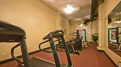 Never have an excuse to skip a workout with this fitness center in the apartment building. #bjbproperties #chicagoapartments #eastlakeviewapartments