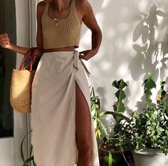 stylish clothes,newest fashion,hot new outfits,shop fashion Spring Summer Fashion, Spring Outfits, Autumn Fashion, Style Summer, Beach Outfits, Summer Outfit, Fall Outfits 2018, Maxi Skirt Outfit Summer, Outfit Beach