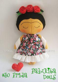 "Ready to ship FRIDA KAHLO Rag doll tilda sweetheart  Fabulita Dolls muñecas hechas a mano con el patrón del maravilloso libro ""Tilda's box toys"" de Tone Finnange TILDA SWEETHEART Edición numerada #3o Frida LILY CONTACTO: carmenmissfabulas@gmail.com #fridakahlo #frida #friducha #handmadedoll #doll #handmade"