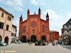 Il Duomo di Alba, la capitale delle Langhe e del Roero