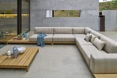 Choosing best outdoor furniture material is based on primary factors such as weather conditions and secondary factors such overall look. Sunroom Furniture, Best Outdoor Furniture, Sofa Furniture, Pallet Furniture, Outdoor Sofa, Furniture Design, Indoor Outdoor, Modern Furniture, Furniture Ideas