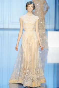 Elie Saab Fall 2011 Couture Fashion Show - Nimue Smit