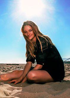 Shailene Woodley Hazel Grace Lancaster, Shailene Woodly, Lilly Singh, The Fault In Our Stars, Hot Brunette, Female Singers, Celebs, Celebrities, Woman Crush