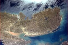 """Chris Hadfield 29 Apr """"Nova Scotia and her surrounding waters, the land showing the first green of Spring. Back Photos, Cool Photos, Cuando Sea Grande, Chris Hadfield, Earth Photos, International Space Station, Earth From Space, Space Exploration, Nova Scotia"""