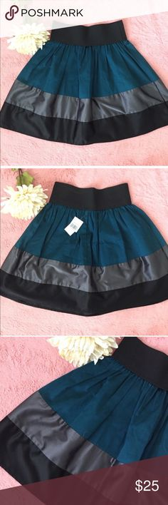 1 LEFTCOLOR BLOCK SKIRT skirt elastic waistnew with tagssize XSmall✔️SHIPPING NEXT DAY✔️ ALL OFFERS WELCOMEitem#34                           Condition: EUC, No flaws Smoke free home No trades No returns No modeling  Shipping next day OPEN TO reasonable OFFERS  BUNDLE and save more Skirts A-Line or Full