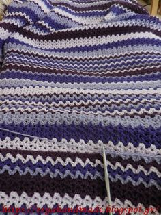 ergahandmade: Crochet Blanket with V Stitch + Diagram + Video Tutorial