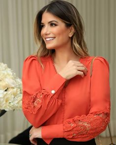 Blouse Styles, Blouse Designs, Trendy Fashion, Fashion Outfits, Iranian Women Fashion, Women Church Suits, Sleeves Designs For Dresses, Fashion Sewing, Ideias Fashion