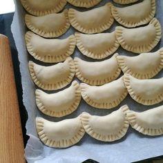 pierogi wigilijne Kielbasa, Muffin, Pierogi, Favorite Recipes, Cookies, Breakfast, Desserts, Food, Christmas