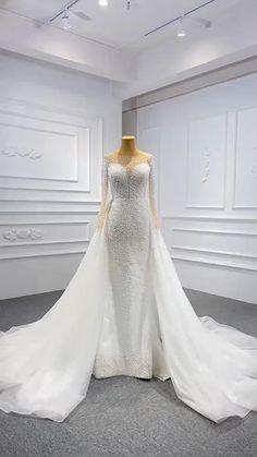 Western Wedding Dresses, Luxury Wedding Dress, Dream Wedding Dresses, Bridal Dresses, Wedding Gowns, Muslim Wedding Dresses, Bridal Outfits, Wedding Dress Sleeves, Mermaid Dresses