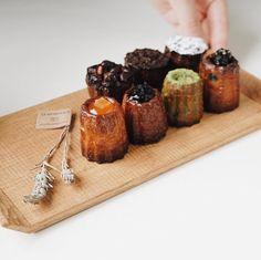 Instagram 上的 CANELÉ du JAPON:「 あべのハルカスでの出店は明日で最終日となります。連日たくさんの方にカヌレ堂のことを知っていただき、本当に嬉しく思っております。ありがとうございます。また今日は一段と暑い日となりそうですね。 ・ 6.20.wed - 6.26.tue 10:00〜20:30… 」 Bakery Sign, Chocolate Cake, Cheese, Japanese Style, Curriculum, Devil, Desserts, Food, Wedding