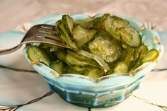 Sweet and crunchy freezer pickles