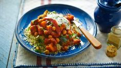 Tea for the boys - Slow cooker chickpea tagine BBC food website Chickpea Recipes, Vegetarian Recipes Easy, Veggie Recipes, Healthy Recipes, Vegetarian Tagine, Chickpea Stew, Tasty Snacks, Pescatarian Recipes, Kitchens