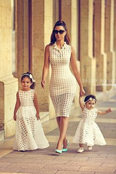 Mom daughter matching outfits are perfect to sport on the mother's day. Explore unique ideas for stylish and gorgeous matching dresses for mother and daughter Mommy And Me Dresses, Mommy And Me Outfits, Girl Outfits, Girls Dresses, Fashion Kids, African Fashion, Girl Fashion, Dress Fashion, Princess Fashion