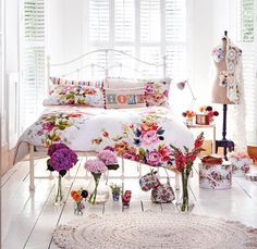 @marksandspencer Fashion Vintage Floral bedding - looked great in fabulous magazine's spread.. i miss that mag