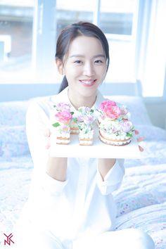 Go behind the scenes of Shin Hye Sun's commercial shoot! Asian Actors, Korean Actresses, Korean Actors, Actors & Actresses, Love Film, Kdrama Actors, Korean Entertainment, Scene Photo, Korean Celebrities