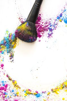 Elevated view of make up brush and colorful compact powder on white background Free Photo Make Background White, Flower Background Wallpaper, Logo Background, Makeup Backgrounds, Makeup Wallpapers, Farmasi Cosmetics, Makeup Illustration, Makeup Artist Logo, Wedding Album Design
