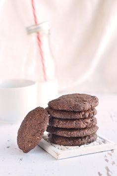 Teljes kiőrlésű csokis keksz recept házilag Homemade whole wheat chocolate cookies recipe Mousse, Healthy Recipes, Healthy Foods, Cookies, Chocolate, Desserts, Minden, Drinks, Crack Crackers