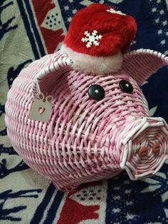 Z Photo, Newspaper Crafts, Paper Basket, Diy Projects To Try, Diy Paper, Basket Weaving, Quilling, Wicker, Christmas Decorations