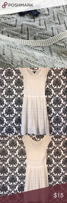 American Eagle Knit Dress American Eagle knit dress, white & silver. Selling because it's a little big on me, I'm an XS and it's more of a S/M. Tried on but never worn American Eagle Outfitters Dresses