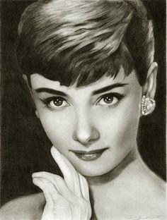 Realistic pencil drawings of celebrities #AudreyHepburn