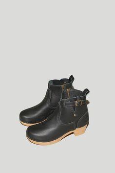 "No.6 Store 5"" Buckle Boot on Mid Heel in Black"