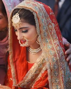 Indian Wedding Wear, Indian Bridal Outfits, Indian Bridal Fashion, Bridal Suits Punjabi, Pakistani Wedding Dresses, Punjabi Wedding, Bridal Dupatta, Designer Bridal Lehenga, Patiala