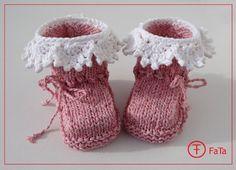 Babyschuhe, Babystiefel, Taufschuhe, rosa-weiß von FaTa-Shop auf DaWanda.com