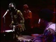 Originally from the LP 'Roots - Curtis Mayfield: 'Keep On Keeping On' (Live). Soul Funk, R&b Soul, Curtis Mayfield, Live Songs, Dj Booth, Jazz Musicians, Gif Of The Day, My Youth, Motown