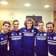 Oscar, Fernando Torres, David Luiz, Cesar Azilicueta, Juan Mata. Back to training @davidluiz_4 @juanmatagarcia #torres #aspinha #CFC <3 <3 <3