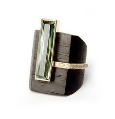 German Kabirski  / Ring - Wood, gold, tourmaline (?)  diamonds. Bague en bois avec pierres