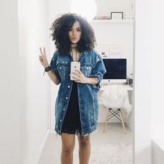 The tradition often known as casual chic is allowing countless females to effectively experience ladylike and pretty whereas enjoying the coziness of their total preferred match denim. Sunday Outfits, Edgy Outfits, Skirt Outfits, Outfits For Teens, Cool Outfits, Fashion Outfits, Chic Fall Fashion, Denim Fashion, Look Fashion