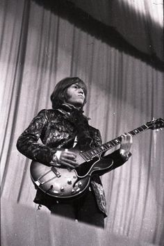 Brian Jones of The Rolling Stones performs live on stage at the Stadthalle on March 29th 1967 in Bremen Germany with his Gibson ES 330 guitar. Photo: Getty Images